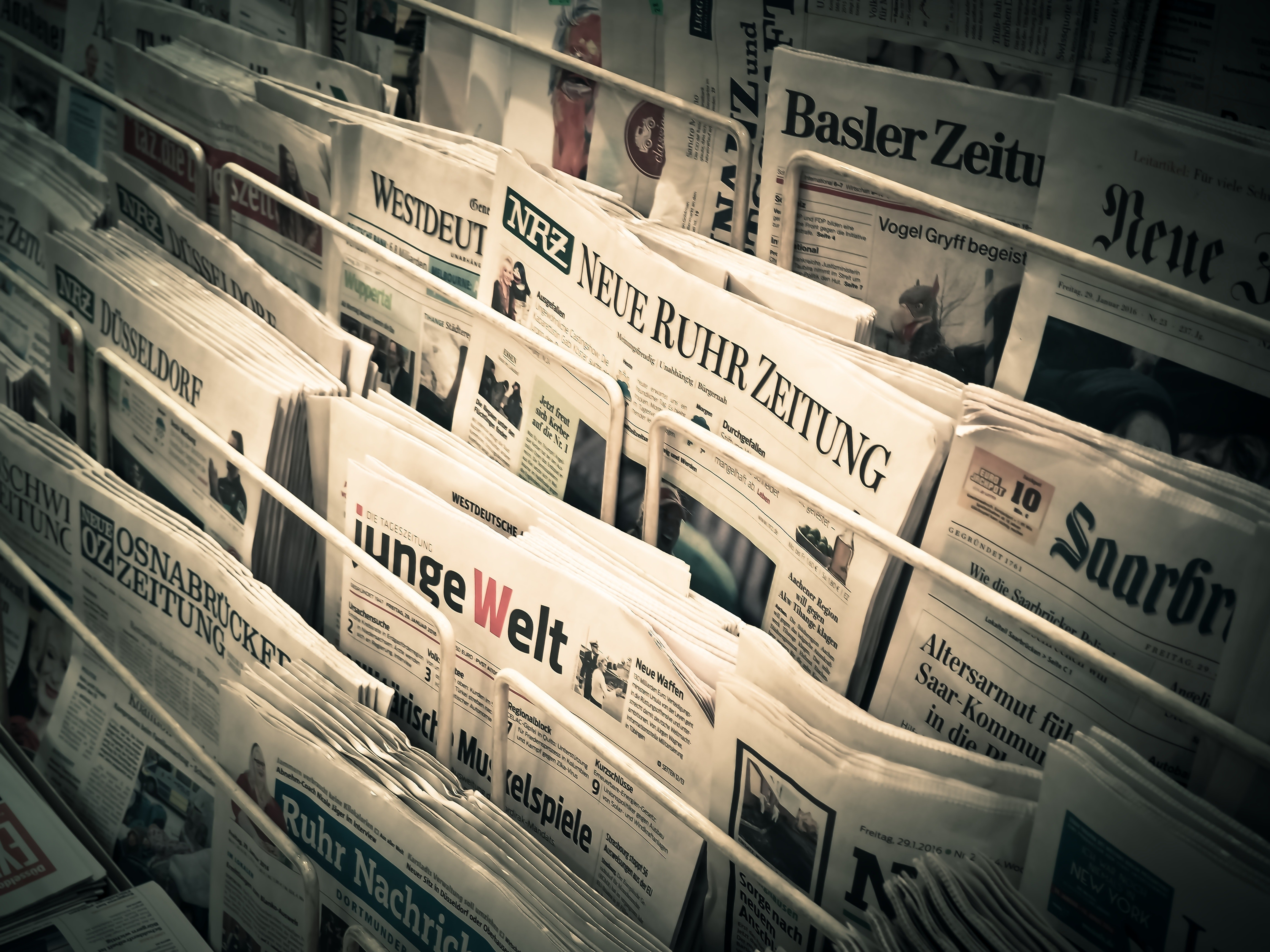 Follow the News in Spanish, Chinese, Russian with These 5 NYC Newspapers